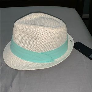 Trilby Hat with Mint Ribbon in linen